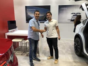 Mike Marot collecting the Model 3 from Tesla Valencia
